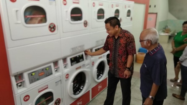 Pembukaan outlet The Daily Wash Laundromat di Jalan Mutiara, Pekanbaru